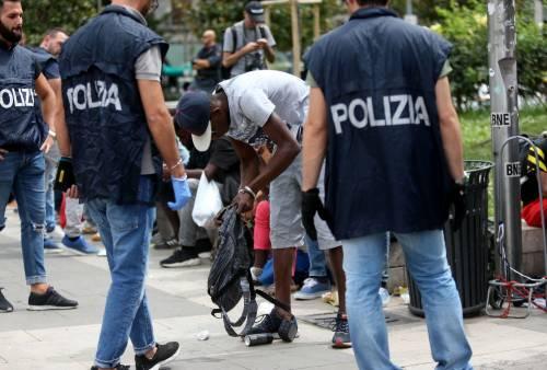 Migranti, nuovo blitz della polizia in stazione Centrale 11