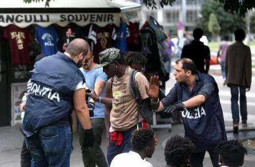 Migranti, nuovo blitz della polizia in stazione Centrale 15