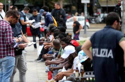 Migranti, nuovo blitz della polizia in stazione Centrale 16