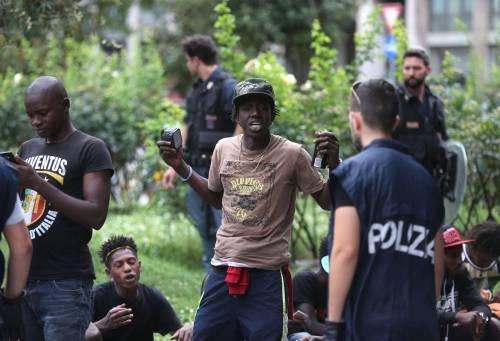 Migranti, nuovo blitz della polizia in stazione Centrale 20