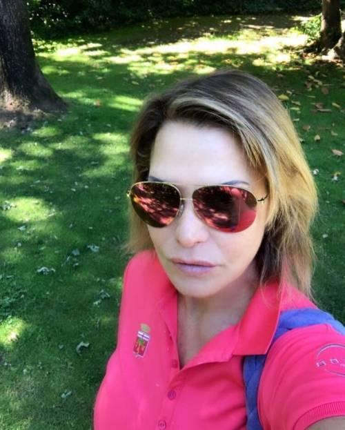 Simona Ventura sexy in vacanza 2