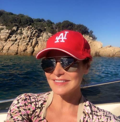 Simona Ventura sexy in vacanza 15
