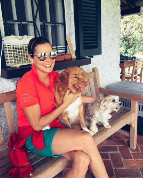 Simona Ventura sexy in vacanza 11