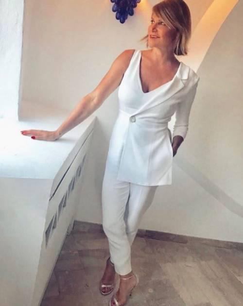 Simona Ventura sexy in vacanza 17