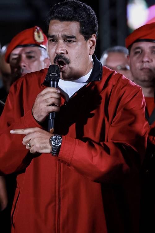 """Venezuela, Maduro esulta: """"Abbiamo la Costituente""""."""