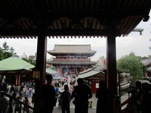Asakusa, dove all'ombra del Tuono nuotano le carpe 2