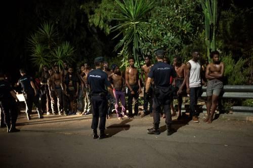 Ceuta, l'assalto dei migranti alla frontiera 3