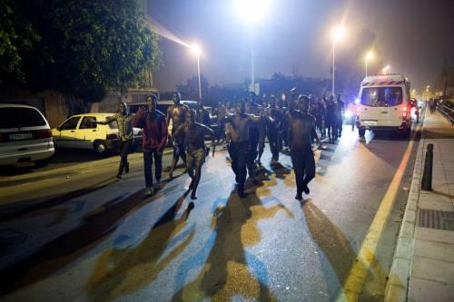 Ceuta, l'assalto dei migranti alla frontiera 5