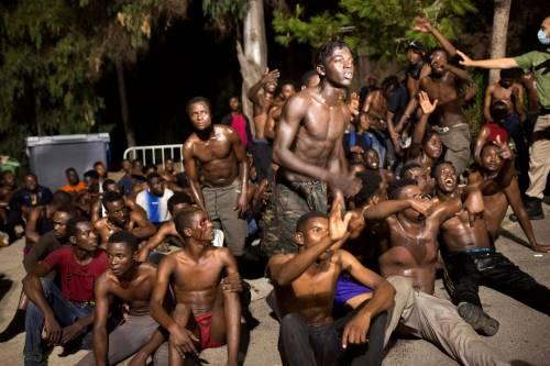 Ceuta, l'assalto dei migranti alla frontiera 10
