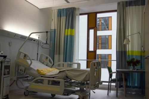 Figlia in ospedale con islamica: il papà deve uscire dalla stanza
