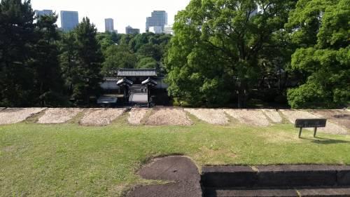 Torri, fossati e giardini eccezionali: nel Palazzo Imperiale a Tokyo 2