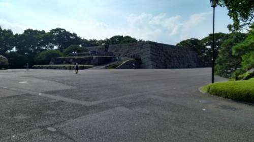 Torri, fossati e giardini eccezionali: nel Palazzo Imperiale a Tokyo 3