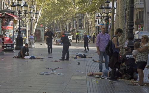 Ecco l'ultima follia dei buonisti: una statua ai terroristi islamici
