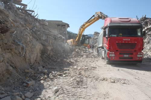 Amatrice, viaggio nella città sommersa dalle macerie ad un anno dal sisma 2