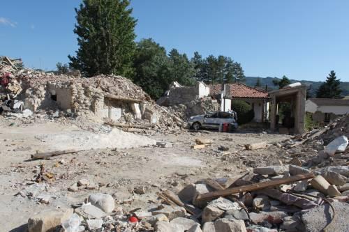 Amatrice, viaggio nella città sommersa dalle macerie ad un anno dal sisma 11