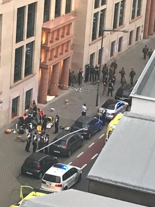 Attacco col coltello nel centro di Bruxelles 4
