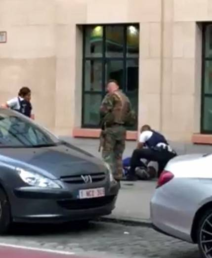 Attacco col coltello nel centro di Bruxelles 7
