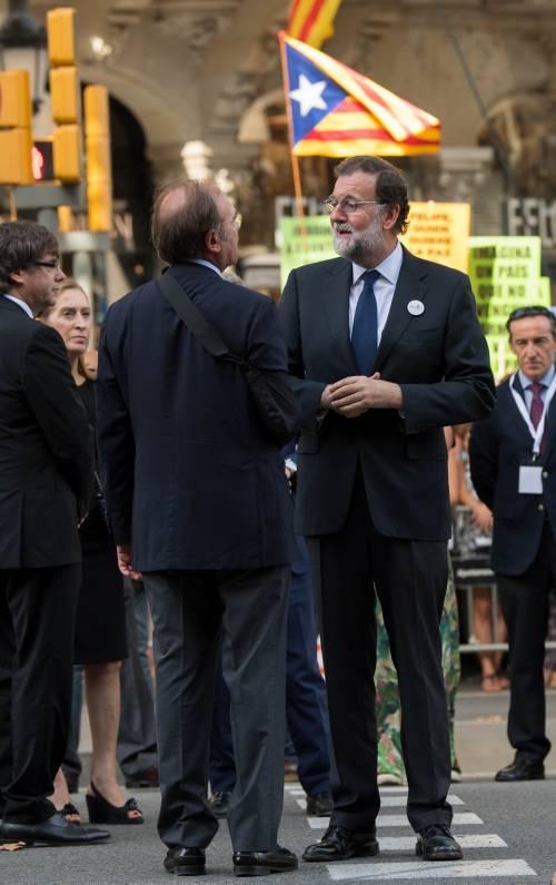 Barcellona in piazza per la pace dopo la strage sulla rambla 12