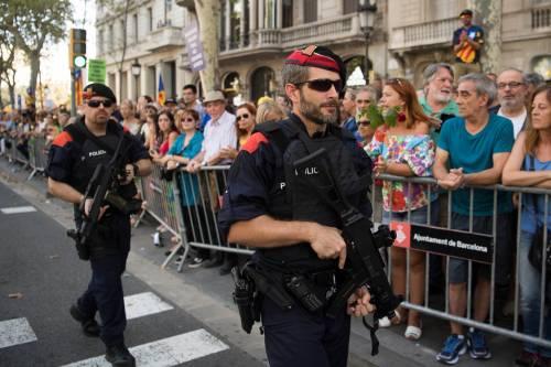 Barcellona in piazza per la pace dopo la strage sulla rambla 13