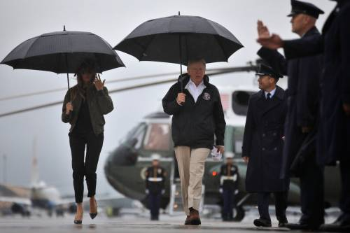 Melania e Donald Trump verso Houston 1