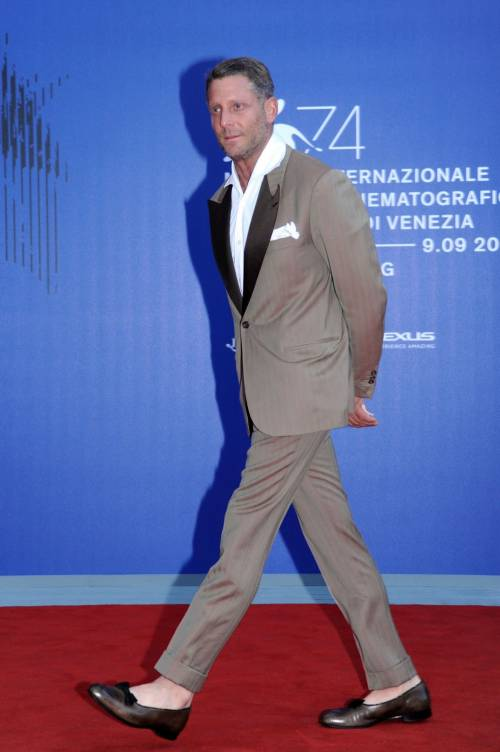 Lapo Elkann in ballerine a Venezia 4