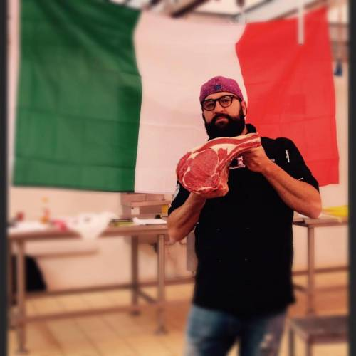 Il macellaio Andrea Laganga, Facebook