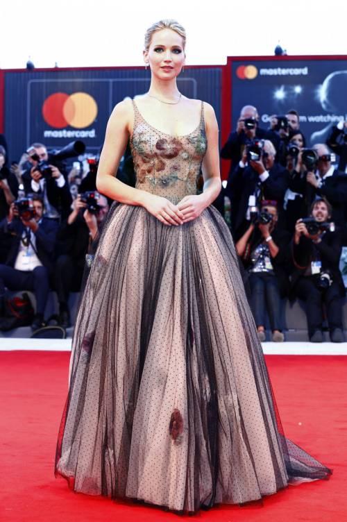 Jennifer Lawrence come una principessa a Venezia 4