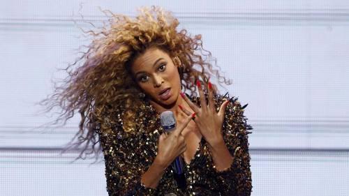 Beyoncé e Taylor Swift sexy dive in foto 10