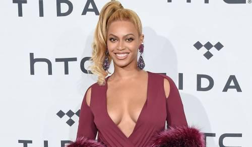 Beyoncé e Taylor Swift sexy dive in foto 14
