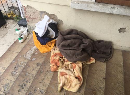 Biella, le foto dello stabile occupato dagli immigrati 7