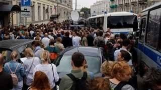 Mosca, 20mila evacuati per allarme bomba 4