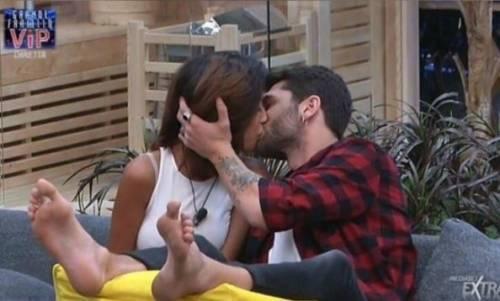 Gf Vip, arriva il primo bacio tra Jeremias Rodriguez e Carla Cruz