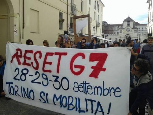 """Renzi e Poletti """"ghigliottinati"""" a Venaria (Torino) 2"""