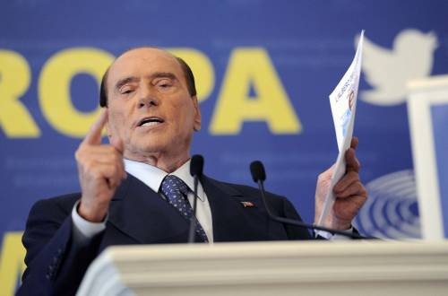 """Berlusconi: """"Ora spetta al popolo scegliere il leader dopo 4 governi non eletti"""""""