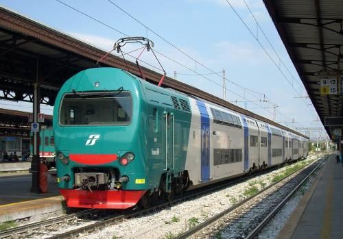 Paura in treno: baby gang africana sputa contro i passeggeri