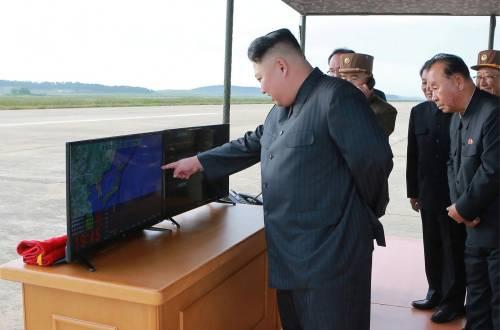La Nord Corea costruirà monumenti   per celebrare il lancio dei missili