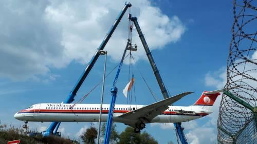 L'Md80 fa l'ultimo volo da Malpensa a Volandia