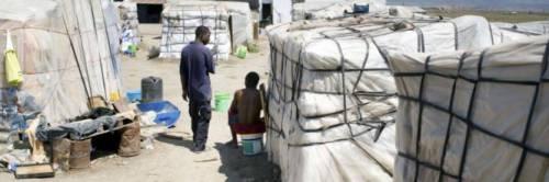 Puglia, ancora un incendio nel ghetto dei migranti