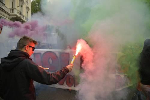Scontri tra manifestanti e polizia a Torino 4