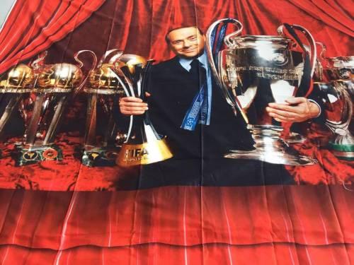 Le lenzuola di compleanno per Berlusconi 5