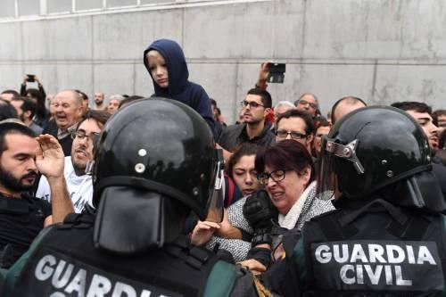 Tensioni tra polizia e indipendentisti 2