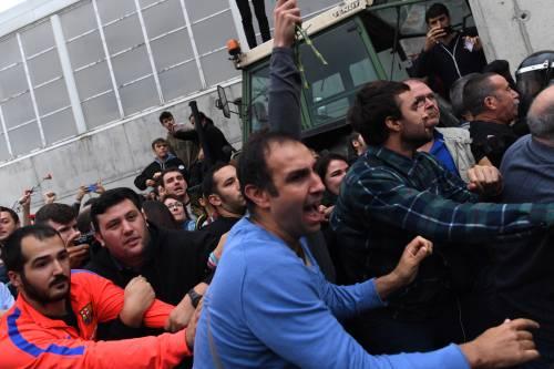 Tensioni tra polizia e indipendentisti 3