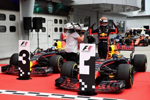 Gp Malesia, vince Verstappen davanti a Hamilton