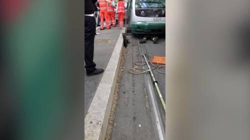 Roma, donna investita da un tram ai Parioli: estratta viva dai vigili del fuoco 2