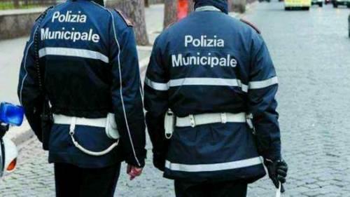 Affitta casa a 2 stranieri ma ne arrivano 16 e 5mila euro di multa