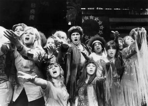 Gli hippie del musical compiono 50 anni Ma non li portano bene