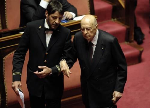 """Lo """"show"""" di Napolitano durante il voto al Senato"""
