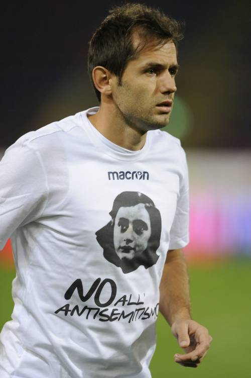 Lazio a Bologna con la maglia di Anna Frank 15