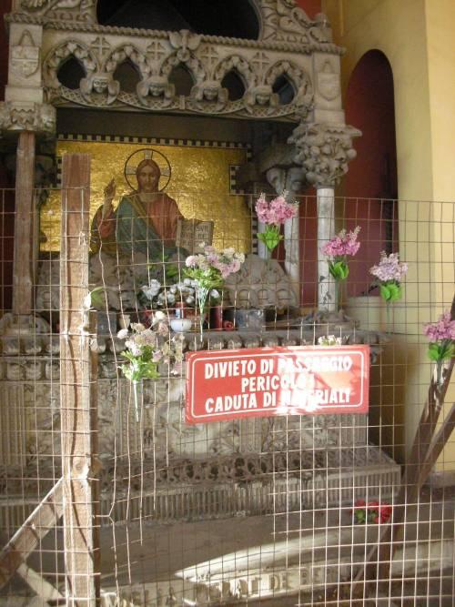 Degrado e furti tra le tombe: cimiteri capitolini saccheggiati e abbandonati 4