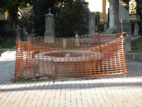 Degrado e furti tra le tombe: cimiteri capitolini saccheggiati e abbandonati 6